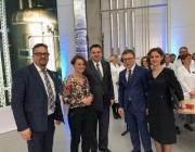 Na zdjęciu m.in. Minister Jadwiga Emilewicz, z-ca dyrektora NCBiR prof. Aleksander Nawrat i współautorzy książki